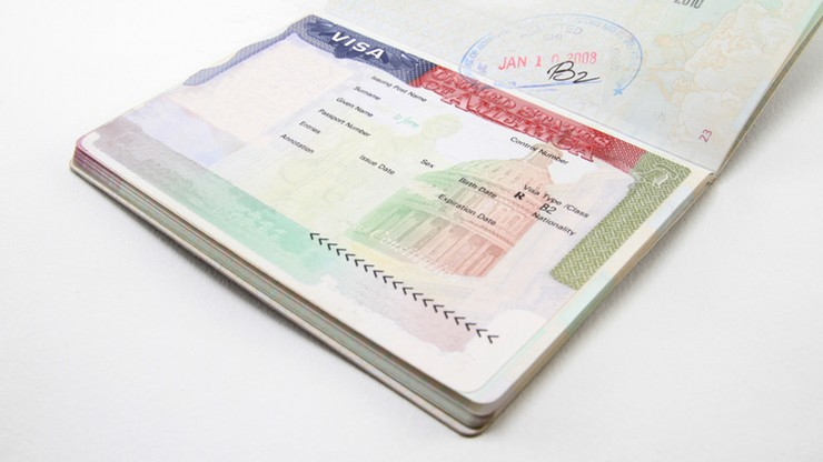 Spadł odsetek odrzuconych wniosków Polaków o wizę do USA