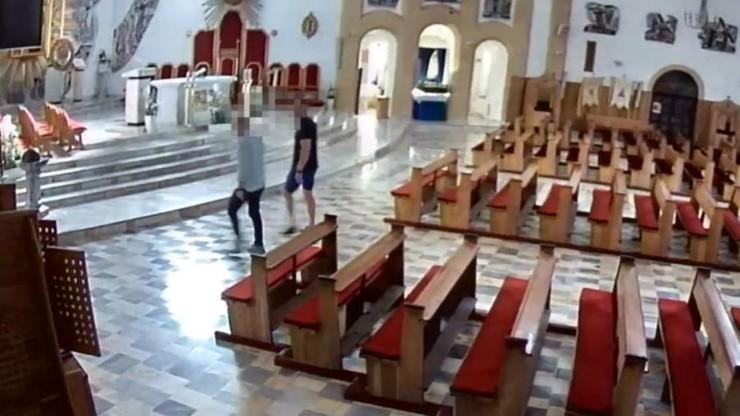 """Weszli do kościoła i urządzili """"imprezę"""" przy ołtarzu. W chwili zatrzymania byli pijani"""