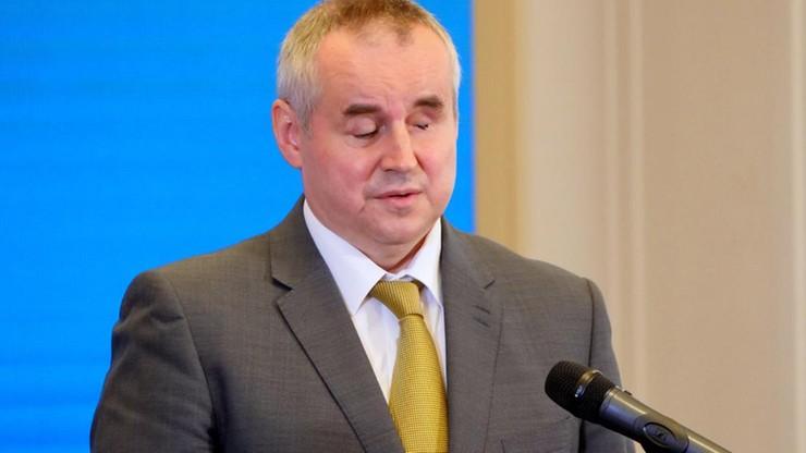 Wiceminister Paweł Wdówik nie mógł kupić telefonu na raty, bo nie widzi