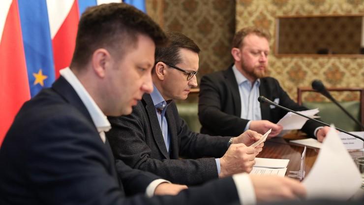 Rusza rządowy zespół zarządzania kryzysowego. Zajmie się m.in. powrotami Polaków do kraju