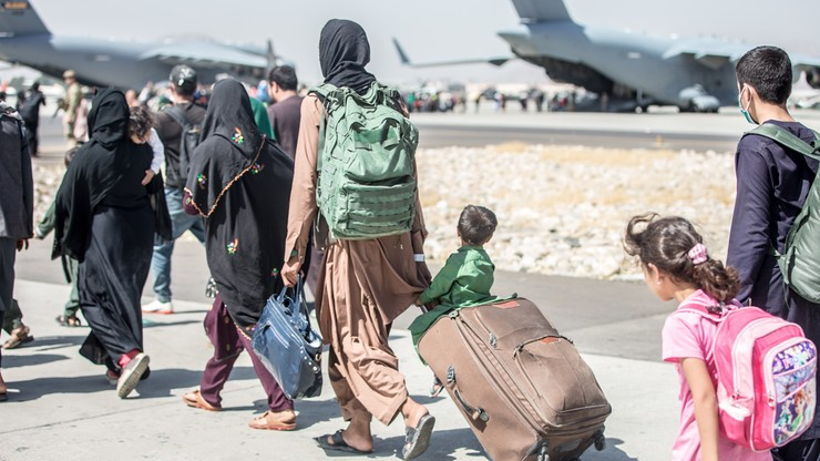 Afganistan. USA i Wielka Brytania zaleciły, by ich obywatele pilnie opuścili lotnisko w Kabulu