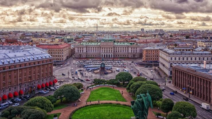 """Powrót obostrzeń w St. Petersburgu. """"Sytuacja po Euro 2020 się pogorszyła"""""""