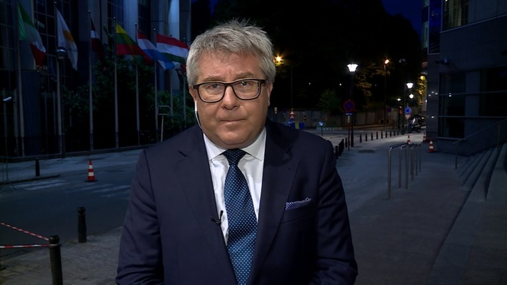 Czarnecki: nie ulegniemy szantażowi ws. relokacji uchodźców