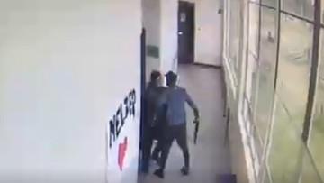 Nauczyciel powstrzymał uzbrojonego ucznia i zapobiegł tragedii