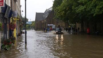Powodzie w Hiszpanii. Zalane ulice, jedna ofiara śmiertelna