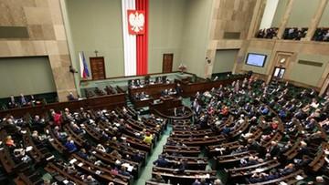 """Sondaż dla """"Rz"""": prawie połowa Polaków może zagłosować na PiS"""