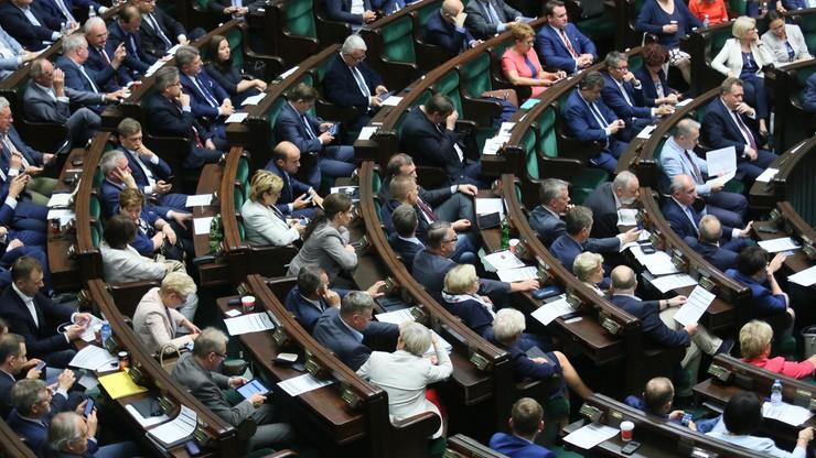 Zmiana kwalifikacji wymaganych do zajmowania stanowiska sędziego TK. Projekt PiS wpłynął do Sejmu