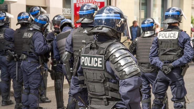 Francja: 24 proc. policjantów ma myśli samobójcze