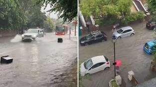 27-07-2021 05:57 Londyn zmienił się w jezioro po potężnej ulewie, która zakończyła kilkudniową falę upałów [WIDEO]