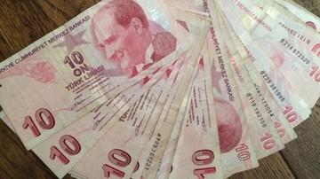 """Erdogan oskarża """"dolarowych terrorystów"""": celem jest rzucenie Turcji na kolana"""
