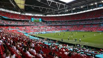 Euro 2020: Dramatyczne sceny na Wembley! Kibic spadł z trybuny