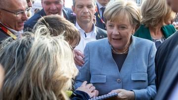 Merkel grozi Węgrom konsekwencjami finansowymi ws. uchodźców