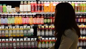Kolejne sieci otwierają sklepy w niedziele. PiS chce zaostrzenia ustawy