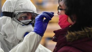 Poniżej 5 tys. nowych przypadków koronawirusa. Spadek liczby ofiar śmiertelnych