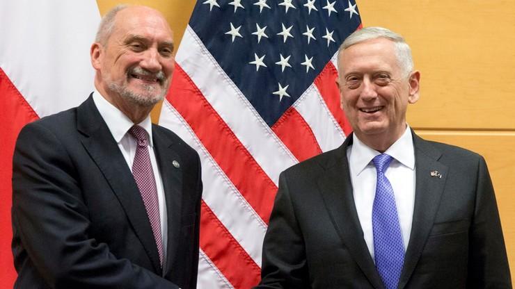 """""""Podjęliśmy decyzję o ustanowieniu bezpośredniego kontaktu"""". Szef MON po spotkaniu z sekretarzem obrony USA"""