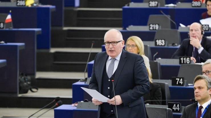 Timmermans zapowiada skrupulatną analizę pisma Polski ws. rządów prawa
