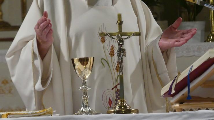 Dwóch księży stanie przed sądem w sprawie wykorzystywania ministrantów