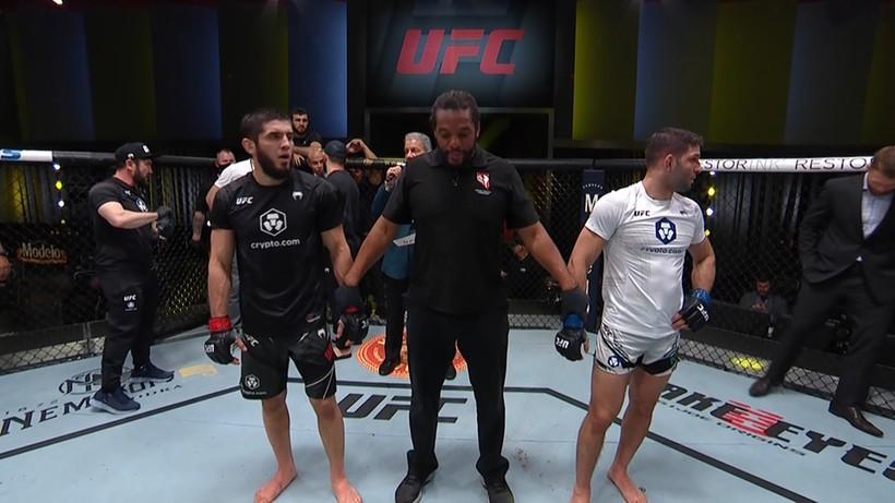 UFC: Następca Nurmagomedova triumfatorem walki wieczoru. Wyniki gali