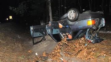 Pijana i bez prawa jazdy wsiadła za kierownicę. Skończyło się dachowaniem
