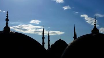Mer Nicei blokuje otwarcie meczetu sfinansowanego przez Saudów