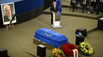 """""""Był bohaterem zjednoczenia Europy"""". Uroczystości pogrzebowe Helmuta Kohla"""