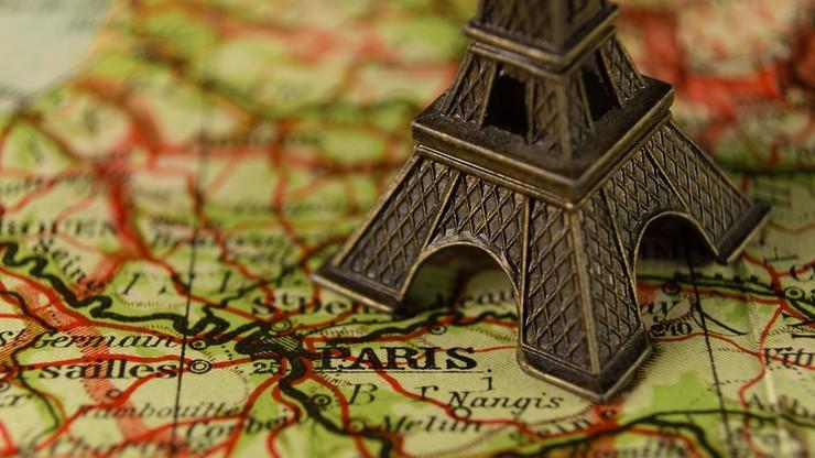 We Francji rozbito grupę sprzedającą... miniatury wieży Eiffla