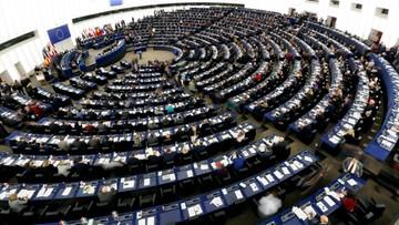 Minimalna pensja i czas pracy oraz europejska karta ubezpieczenia - europosłowie za prawami pracowników