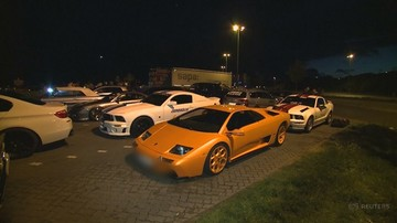 Niemiecka policja zatrzymała ponad sto luksusowych aut. Trasa przejazdu przebiega przez Polskę