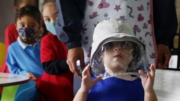 Będą szczepionki przeciw COVID-19 dla dzieci. Eksperci o terminach