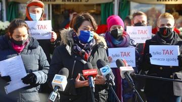 """""""Legalna Aborcja Bez Kompromisów"""". Lewica zbiera podpisy pod projektem ustawy"""