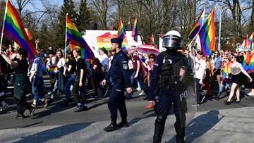 Marsz Równości przeszedł otoczony kordonem policji. Równolegle odbyła się manifestacja ONR