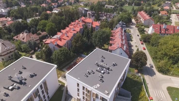 """Lewica Razem chce budowy tanich mieszkań na wynajem. """"Wielki, europejski program"""""""