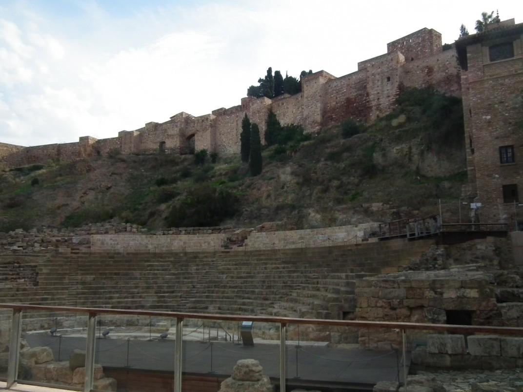 Mury przy porcie w Maladze