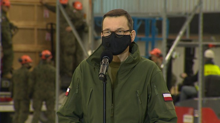 """Premier na budowie szpitala w Katowicach. """"Dziś przyjechało sześć tirów"""""""