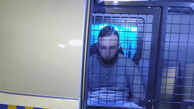 19-latek dźgnięty w szyję na warszawskich bulwarach