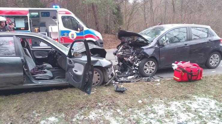 Tragedia na drodze. Dwie osoby zginęły, cztery są ranne - w tym dwoje dzieci