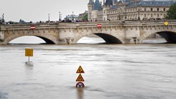 """""""Le Figaro"""": Prezydent Francji może być ewakuowany poza Paryż"""