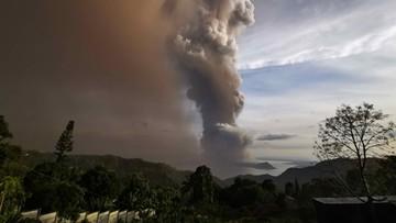 Wulkan Taal na Filipinach przebudził się. Z okolicy ewakuowano 8 tys. mieszkańców