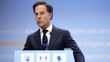Premier Holandii przeprasza. Za zbyt szybkie zniesienie obostrzeń