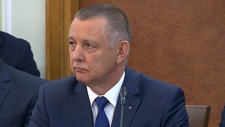 Premier: Banaś przyczynił się do walki z mafiami VAT-owskimi; ma szlachetny życiorys