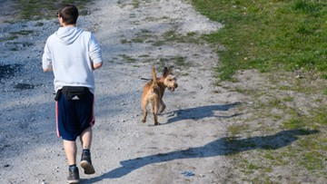 Blisko 1/4 zakażeń koronawirusem w Polsce to osoby poniżej 30. roku życia