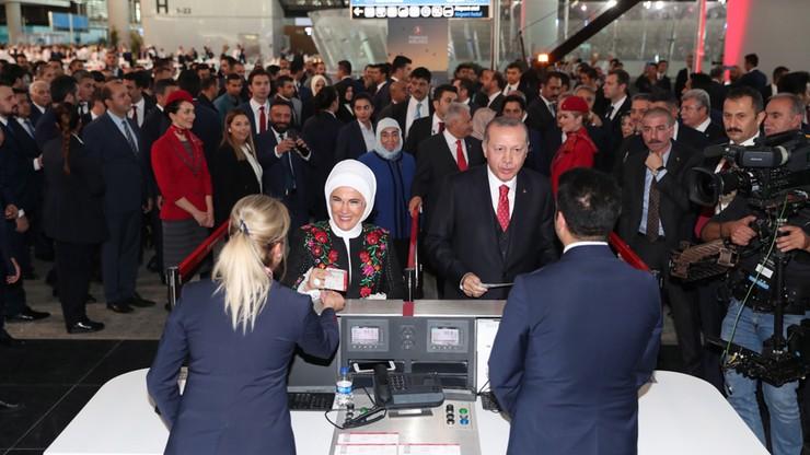"""Erdogan otworzył nowe lotnisko gigant w Stambule. """"Port lotniczy ma być największy na świecie"""""""
