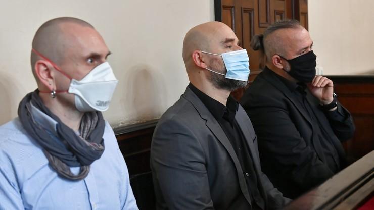Uszkodzili pomnik prałata Jankowskiego. Prokurator wnosi o karę