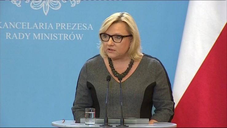 """Pytania o wizytę Kempy na komisariatach w Oleśnicy i Sycowie, KPRM odmawia odpowiedzi. """"To jest poważna sprawa"""""""