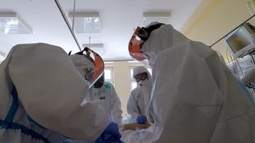 Mniej zakażeń i zgonów. Nowe przypadki koronawirusa