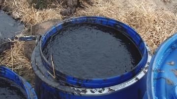 Wyciek ropy z nieczynnego odwiertu w Małopolsce