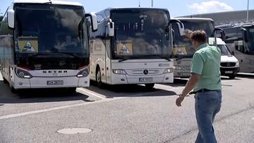 Protest przewoźników, setki autokarów na ulicach miast