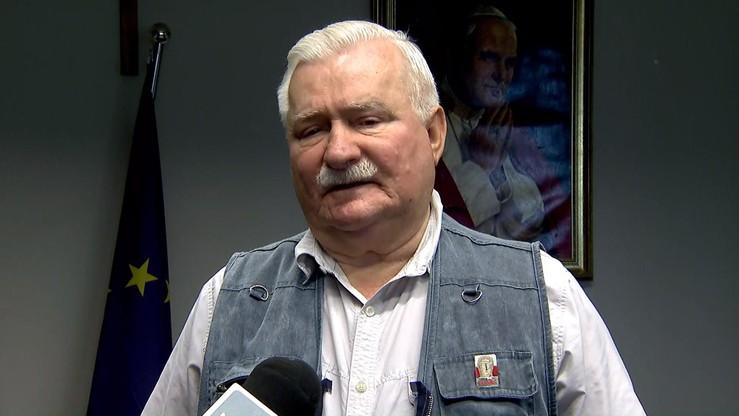 """""""Największy paszkwil"""" - Wałęsa oburzony uchwałą Senatu ws. odwołania rządu Olszewskiego"""