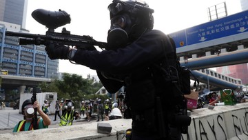 Kolejny dzień protestów w Hongkongu, policja użyła gazu łzawiącego