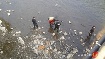 11-latka zniknęła pod taflą wody w Wisłoce, mężczyzna wskoczył na jej ratunek. Obydwoje nie żyją